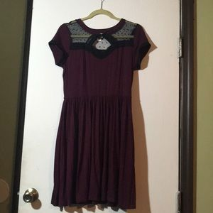 Maroon T-shirt dress with black lace detail